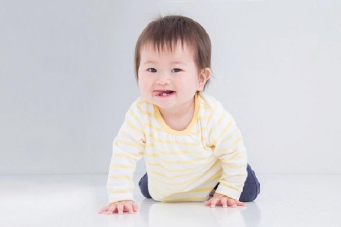 0歳児 ミルク缶 保育室 知育 おもちゃ